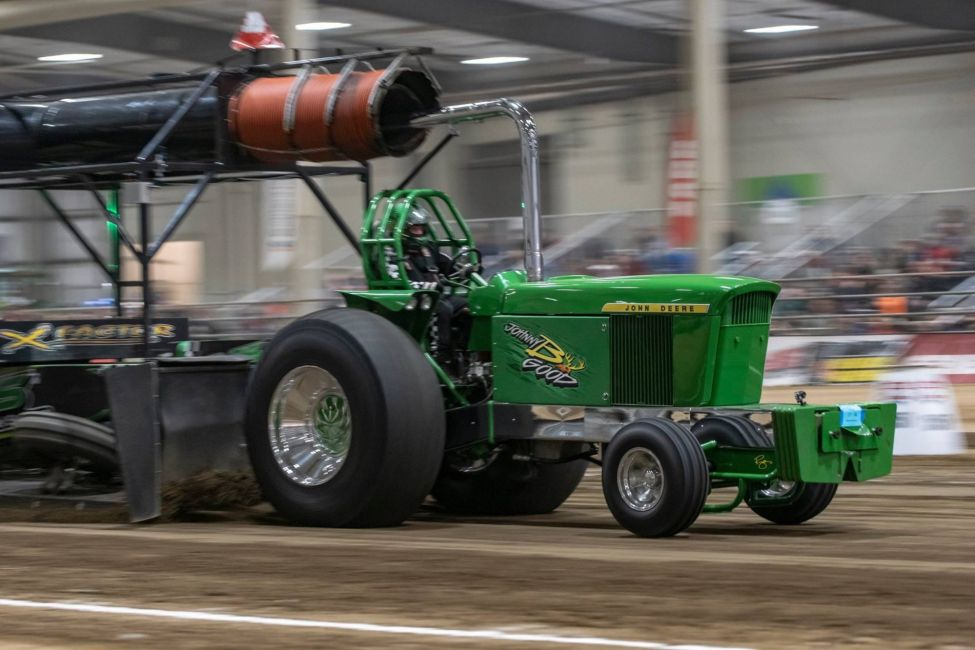 green tractor pulling using hart's diesel performance parts